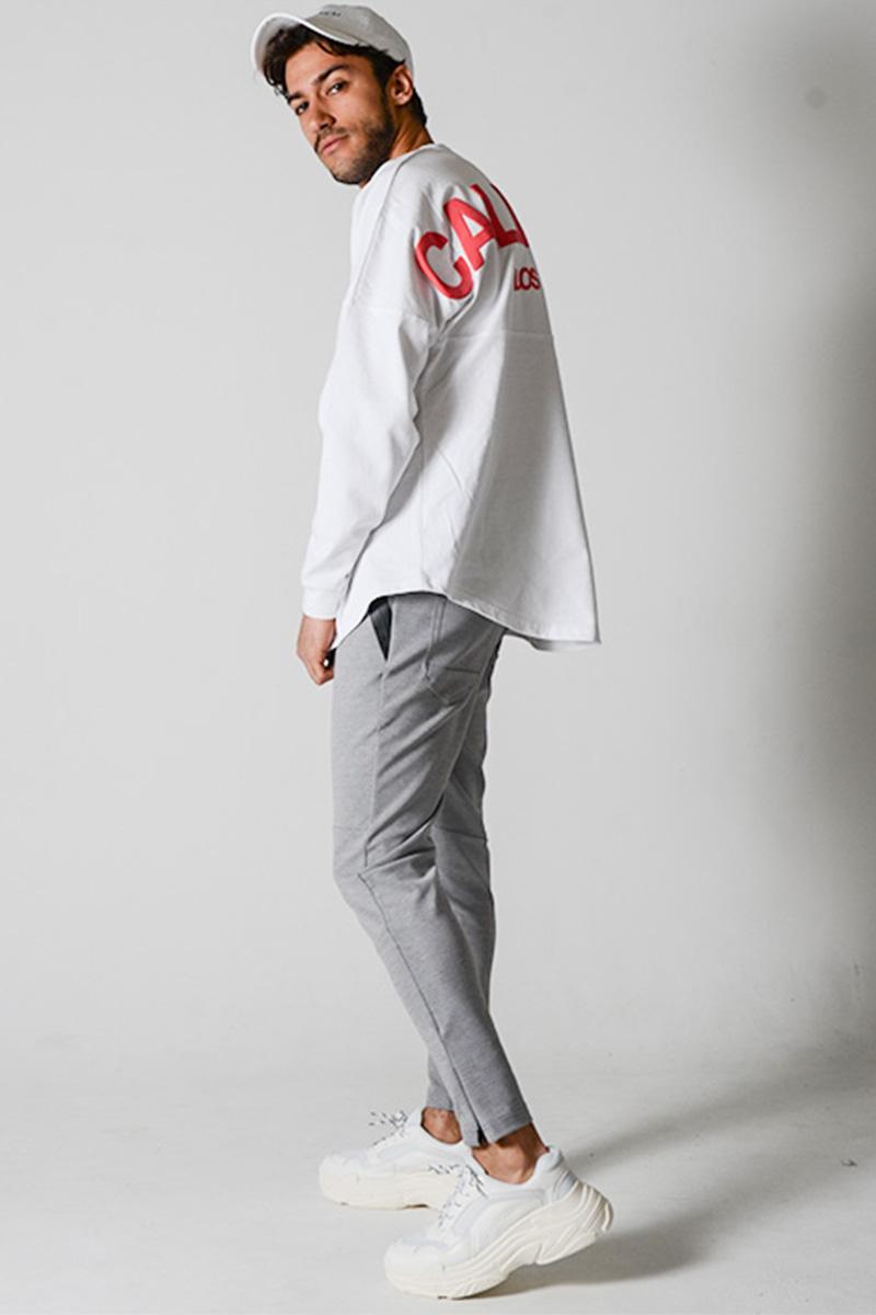 バックロゴプリントTシャツ×ジャージパンツ